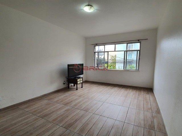 Apartamento de 2 quartos no Alto.