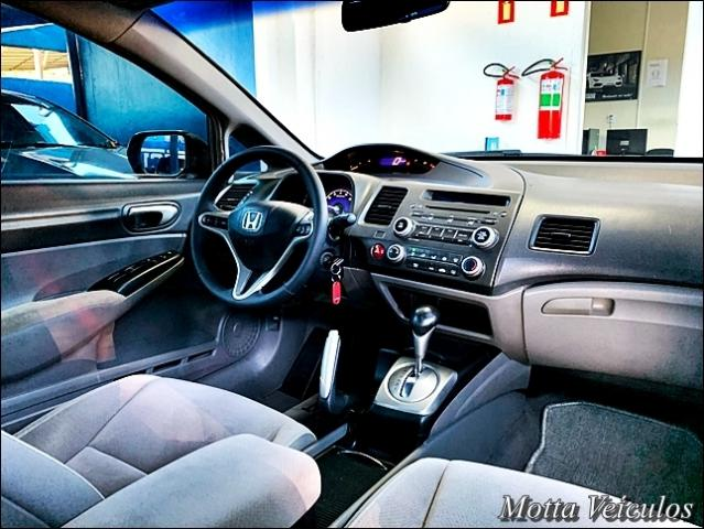 Honda Civic 1.8 LXS SEDAN 16V 4P - Foto 6
