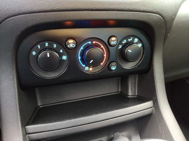 2015 Ford Ka SE sedan 34.000 km - Foto 4