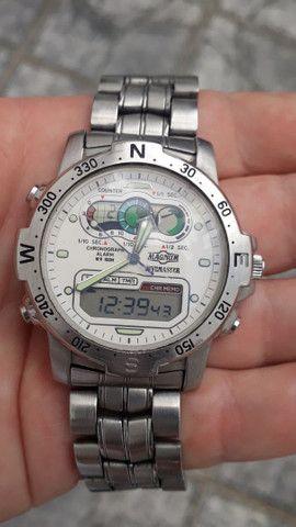 Relógio Magnum divemaster anos 90 , bem raro, relíquia