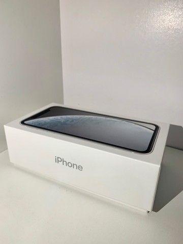 iPhone XR Apple - Branco 64GB  - Foto 6