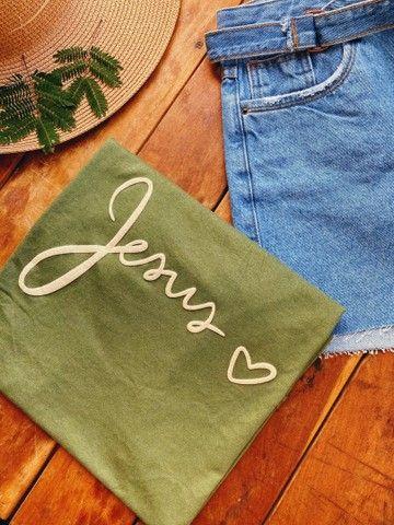 T-shirt / Camisas / Roupas  - Foto 2