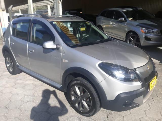 Renault Sandero Stepway 1.6 Aut. 2014 - Top de Linha, Baixa Km
