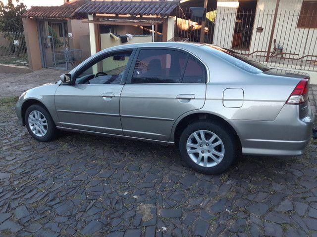 Honda Civic vendo ou troco por outro carro mais novo - Foto 3