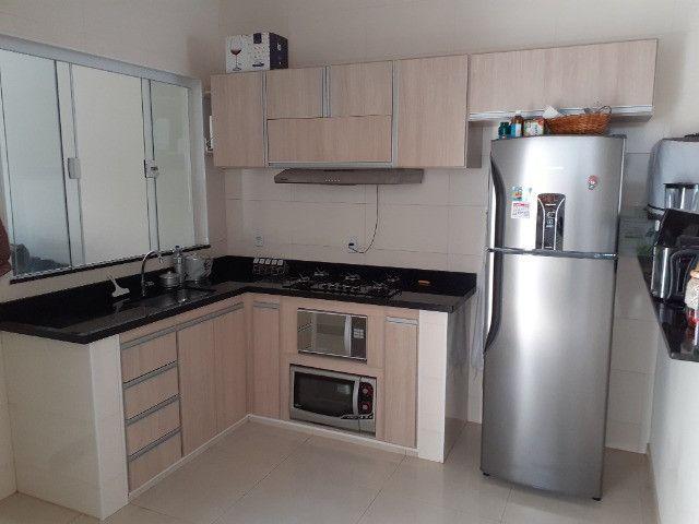 Casa com 2 quartos e 1 suite, area gourmet, excelente localização - Foto 6