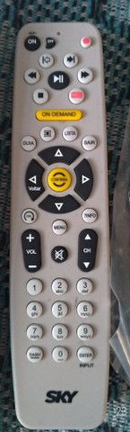 Controle remoto da SKY - Foto 4