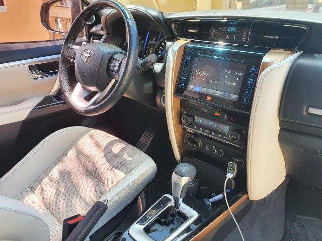 Toyota Hilux SW4 - Foto 13