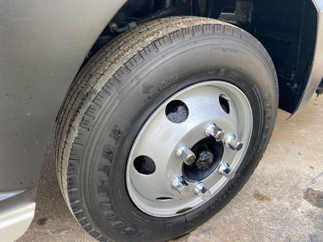 Caminhão baú refrigerado vw 9-160 ano 2012 super novo - Foto 10