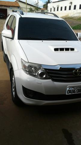 Hilux sw4 7 lugares 2013