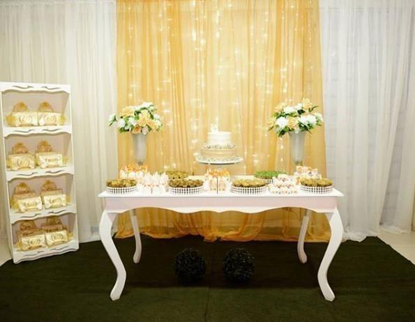 Mesas, vual, peças de decoração para sua festa