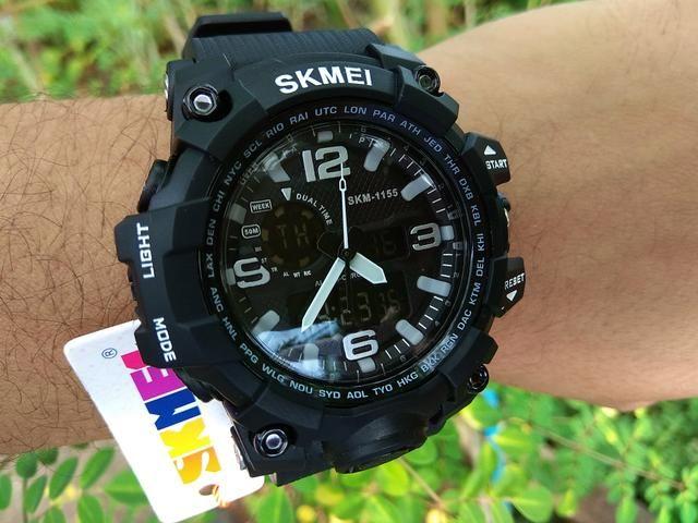 6254a7b0f41 Relógio masculino NOVO conb com tudo carro moto super barato preço ...