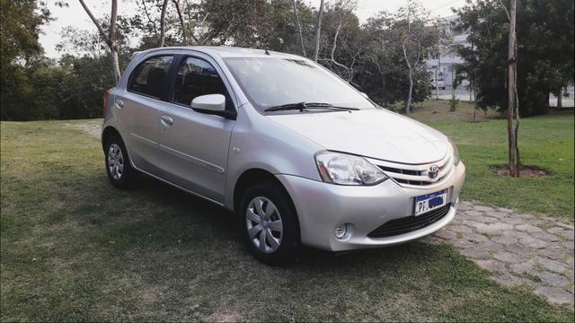 Toyota Etios HATCH 1.3 2015/ 2015 >Aceita troca menor valor - Foto 5