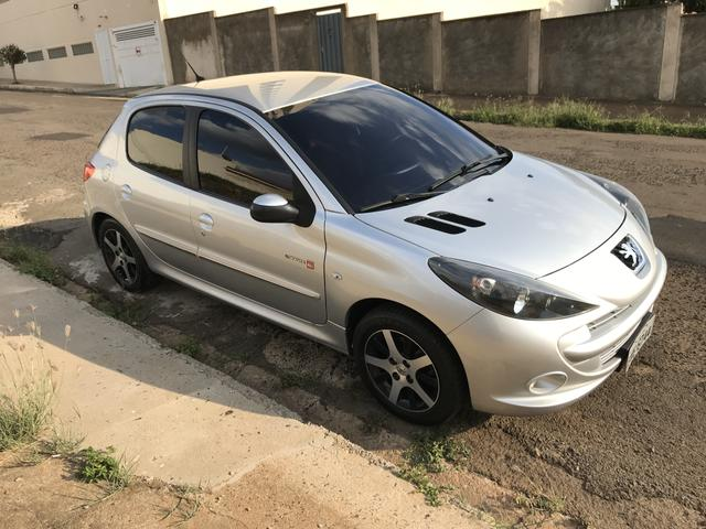 Peugeot 207 QuickSilver 1.6 flex