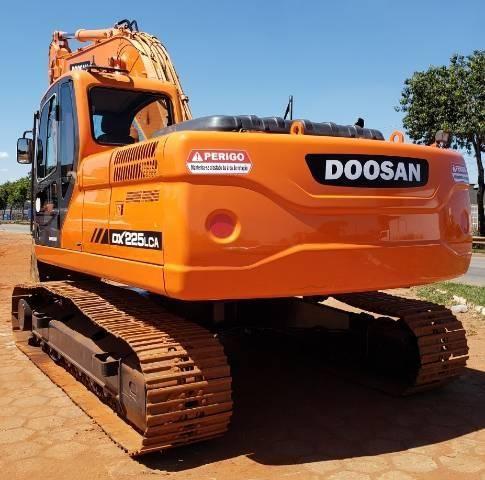 Escavadeira Doosan DX225 LCA ano 2011 - Foto 3