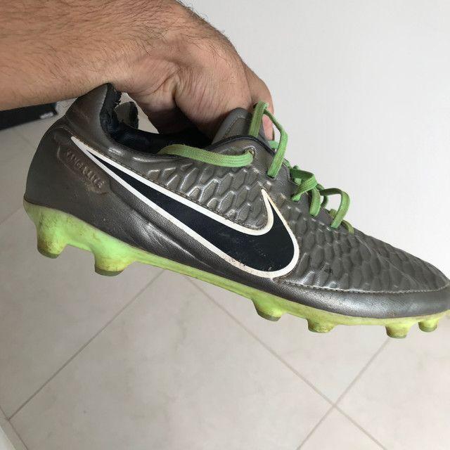 Vendo chuteira Nike Magista - Foto 3