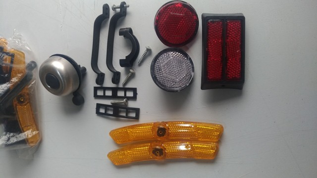 Kit de refletores e Campainha para bicicleta.