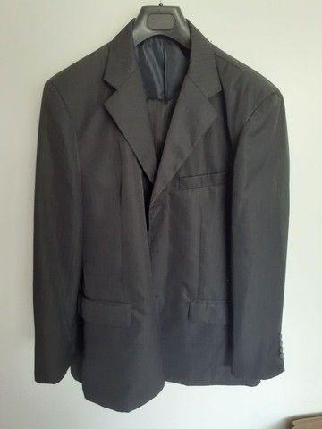 Vendo 3 paletós c/calças pretos  - Foto 3