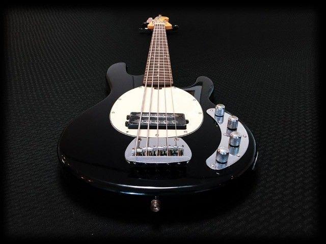 Baixo Tagima TBM5 muito bom. Cordas novas, regulado por luthier e garantia 30 dias. - Foto 3