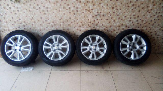Jogo de roda 15 pneu 185 60 15