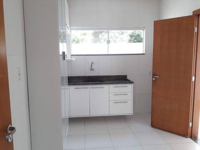 Casa Maravilhosa 4/4 em condomínio fechado na Praia de Buraquinho em Lauro de Freitas - Foto 4