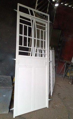 Portas e janelas e churrasqueira - Foto 3