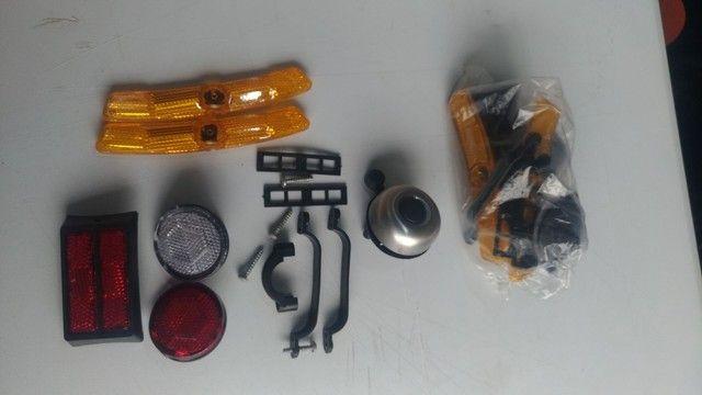 Kit de refletores e Campainha para bicicleta. - Foto 5