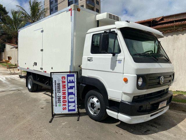 Caminhão baú refrigerado vw 9-160 ano 2012 super novo