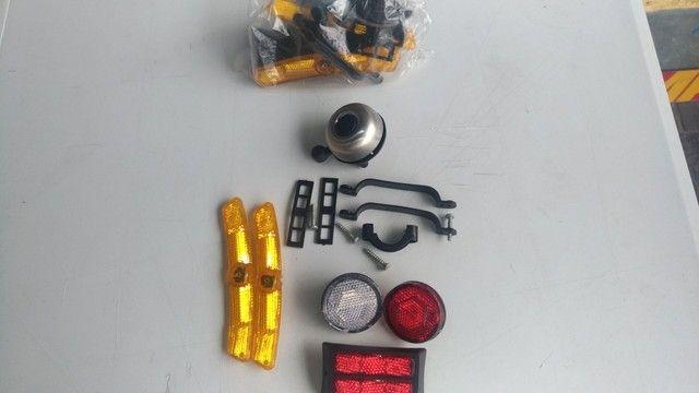 Kit de refletores e Campainha para bicicleta. - Foto 6