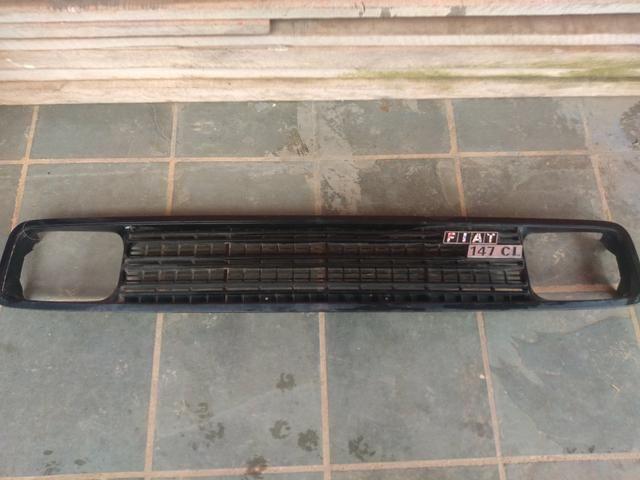 Vendo grade e faróis Fiat 147 - Foto 4
