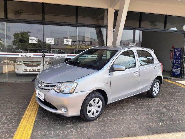 Toyota Etios Hatch 1.3 X Flex - 2013/2014 - R$ 34.000,00 - Foto 3
