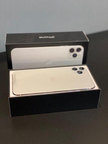 iPhone 11 Pro Max Silver 64GB (NOVO) - Foto 3