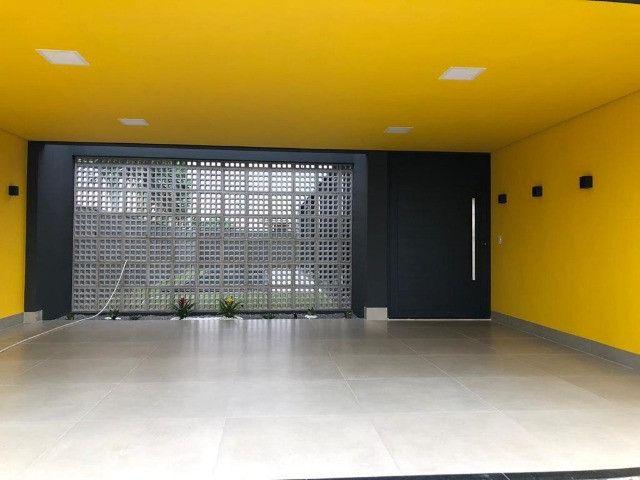 """Vendo Casa contendo 4 suítes - Condomínio Ecoville """"Construção Nova"""" - Foto 2"""
