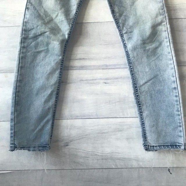 Calça Jeans Clara | Cintura Alta | Seminova | Brechó  - Foto 4