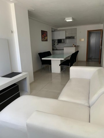 Alugo apartamento 2/4 mobiliado por R$3.000,00  - Foto 3