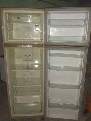 Vendo geladeira Brastemp frost free! - Foto 2
