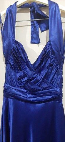 Vestido de festa midi azul acetinado - Foto 2