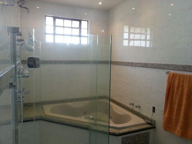 Lindo sobrado com 380m² de construção com piscina, churrasqueira - Foto 3