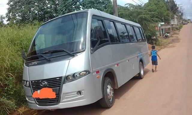 Vendo um micro-ônibus 22 lugares