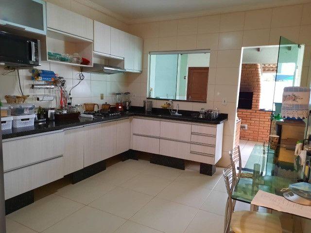 """Vendo Casa contendo 4 suítes - Condomínio Ecoville """"Construção Nova"""" - Foto 5"""
