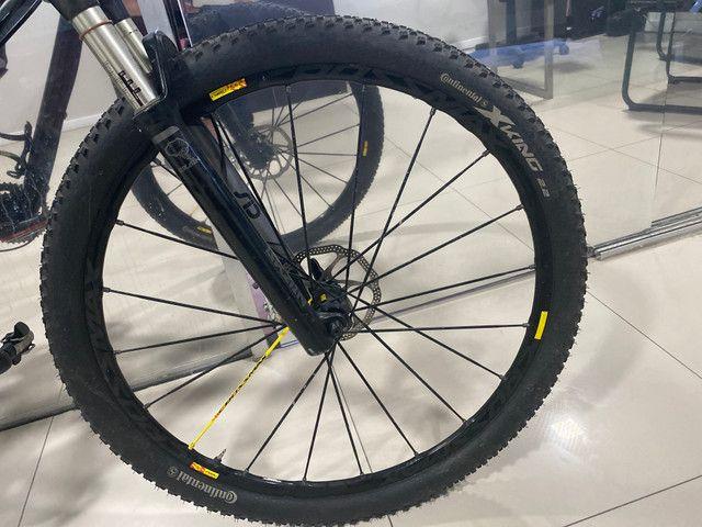 REVISADA!!Bicicleta MTB SPECIALIZED S- WORKS EPIC 29 TAMANHO M FULL - Foto 5