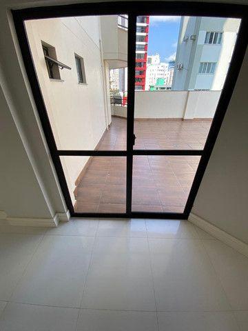 Excelente apartamento novo com uma área externa diferenciada! Quadra mar! - Foto 8
