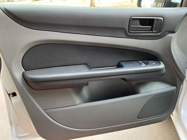 Ford Focus 1.6 flex Completo  - Foto 13