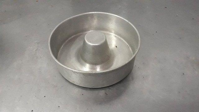 Formas De Bolo/Pudim C/ Furo Redonda 25cm Alumínio - Redenção/CE