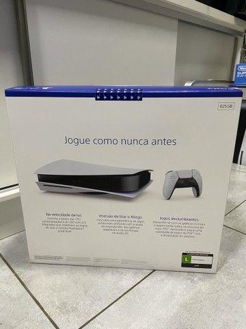 Playstation 5 com leitor novo lacrado com nota e garantia de 1 ano  - Foto 2