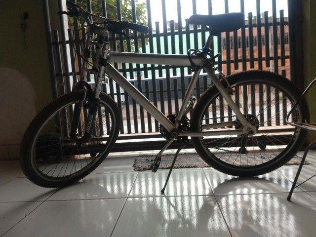 Bike usada, muito boa compensada
