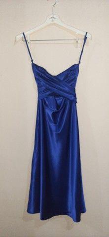 Vestido de festa tomara que caia midi azul acetinado  - Foto 3