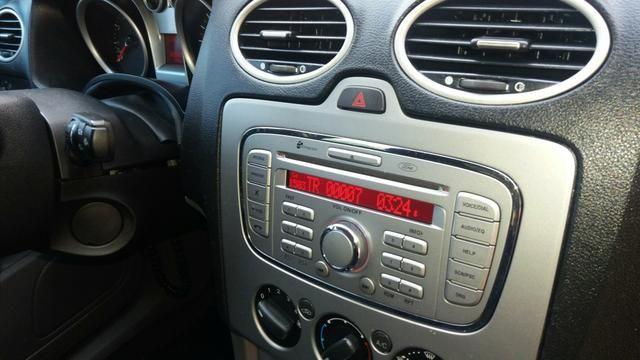Focus Sedan GLX automático 2013