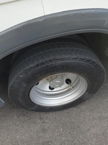 Vendo 4 aros com pneus - Foto 2