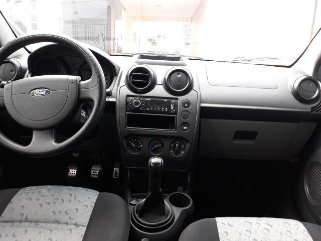 Fiesta 1.0 8v Flex 4p - Troca por Moto - Foto 9