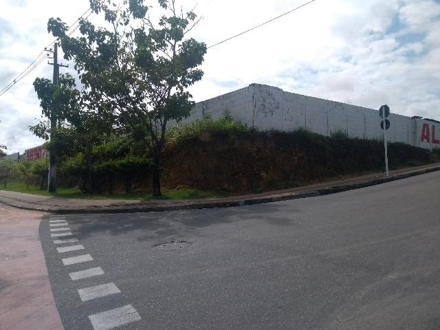 D206 Terreno na Avenida Marcio Canuto /Barro duro